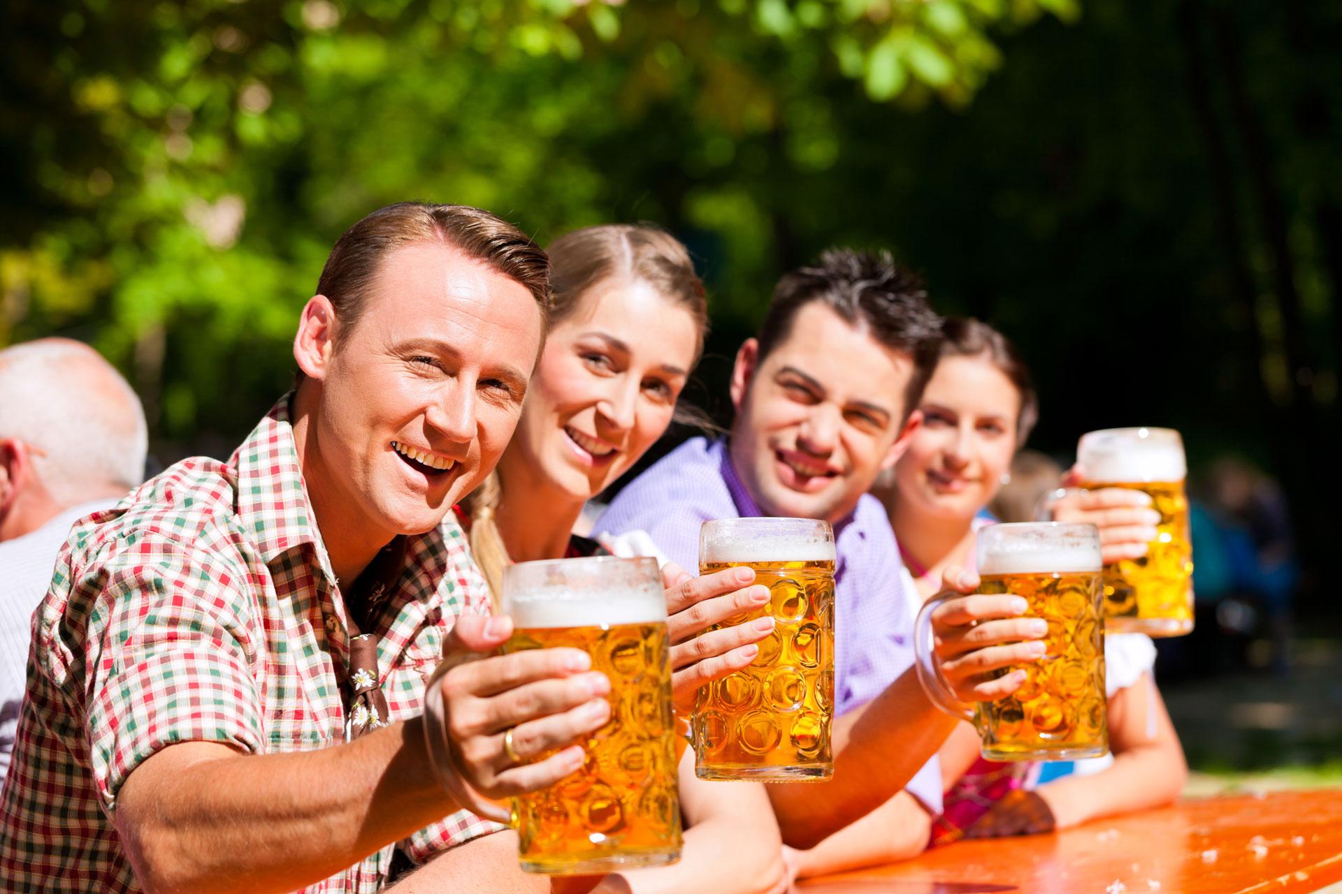 Unser Biergarten lädt zum feiern ein